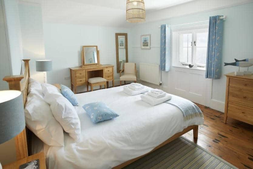 Bishop Rock Bedroom, Lizard lighthouse Lizard Point, Cornwall