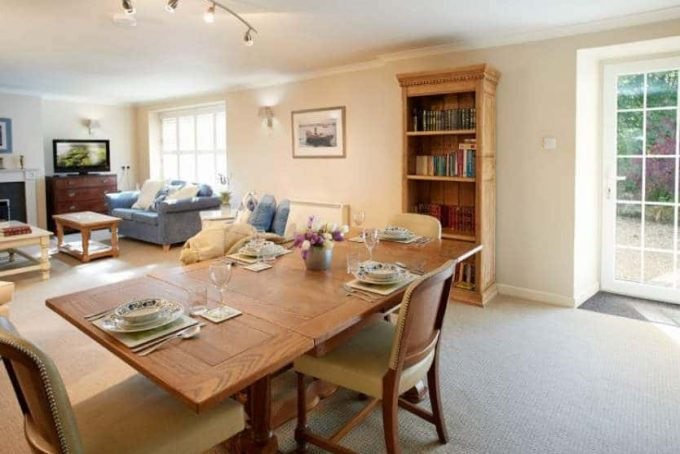 Spacious open plan dinning and sitting room
